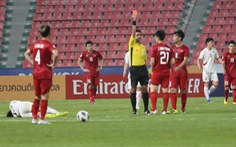 Đình Trọng bị treo giò trận gặp Malaysia tại vòng loại World Cup 2022