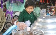 Biết chuyện bà cụ bán xôi nuôi cả gia đình, nhiều người ủng hộ nhiệt tình