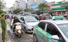 Xe hợp đồng điện tử phải dán chữ 'Xe hợp đồng' trước và sau xe