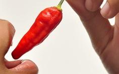 Ăn ớt, bị ớt 'chui' vô phế quản gây ho 2 tháng trời