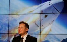 Tỉ phú Elon Musk chịu chơi cho nổ tên lửa 50 triệu đô để thử nghiệm