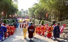 Lãnh đạo, người dân TP.HCM dự 'Hội xuân phương Nam', tưởng niệm các vua Hùng