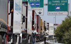 Phá đường dây đưa hơn 10.000 người vào Anh bằng thùng xe tải