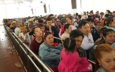Núi Cấm quá tải, đông nghẹt khách xếp hàng mòn mỏi đợi cáp treo