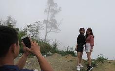 'Checkin' nơi nguy hiểm: đỉnh đèo Khánh Lê