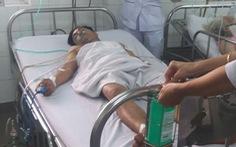 Thoát chết khi bị dao đâm tràn dịch màng phổi