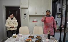Video: Hạn chế ra ngoài thời virus corona, người Trung Quốc giải trí trong nhà