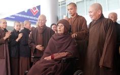 Thiền sư Thích Nhất Hạnh trở về Huế sau hơn một tháng tịnh dưỡng ở Thái Lan