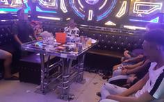 Ập vào karaoke, công an phát hiện 34 nam nữ dương tính ma túy
