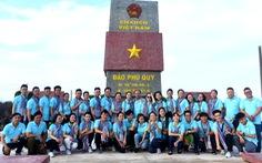 Mùa xuân biển đảo lần 9 bịn rịn tạm biệt huyện đảo Phú Quý