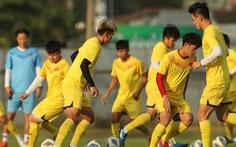 U23 Việt Nam tập rê dắt bóng trước trận gặp UAE