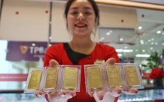 Giá vàng 'xì hơi', rơi khỏi ngưỡng 44 triệu đồng/lượng