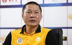 """HLV Chu Đình Nghiêm  thất vọng vì học trò không thoát được lối chơi """"ru ngủ"""" của Thanh Hoá"""