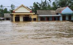 Nhà vẫn ngập gần tới mái ở rốn lũ Quảng Trị dù lũ đã rút