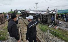 Tai nạn xe buýt, xe lửa tang thương, 20 người đi lễ chùa chết thảm ở Thái Lan