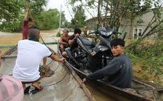 Nước sông Thạch Hãn lại lên nhanh, dân vùng ven đối phó với đợt lũ thứ 3 trong 5 ngày