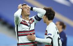 Ronaldo 'tịt ngòi', trận đấu giữa hai nhà vô địch thế giới và châu Âu kết thúc... 'bế tắc'