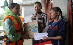 Cùng Tuổi Trẻ cứu trợ bà con vùng lũ