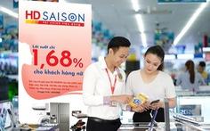 HD SAISON tặng quà khách hàng nữ nhân dịp 20-10