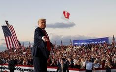 Ông Trump chạy nước rút bất chấp dịch