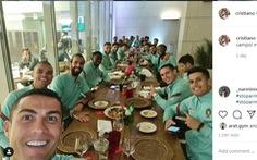 Vừa đăng ảnh ăn tối cùng tuyển Bồ Đào Nha, Ronaldo bị phát hiện nhiễm COVID-19