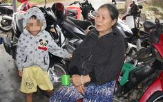 Mệ Xinh 6 đêm chong đèn giữ của cho bà con giữa biển nước Triệu Phong