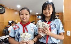Học sinh nhịn ăn sáng, trích tiền tiết kiệm ủng hộ miền Trung