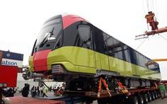 Chiêm ngưỡng đoàn tàu metro Nhổn - ga Hà Nội rời cảng Hải Phòng