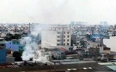 Nhà máy ồn, ngột ngạt khu dân cư: Không đình chỉ vì... chưa có quy định