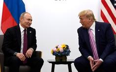 Người Nga khuyên ông Trump tiêm vắc xin Sputnik V và tới Matxcơva trị bệnh