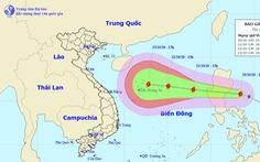 Bão áp sát Philippines, tăng cấp khi vào Biển Đông và hướng tới miền Trung