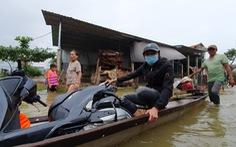 Dịch vụ chuyển xe máy bằng thuyền, xe ba gác ở Huế đông khách