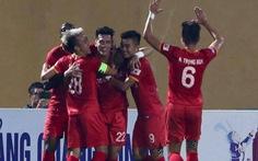 CLB Hà Nội - Bình Dương (hết hiệp 1) 0-1: Đức Cường liên tục cứu thua