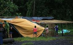 Hàng chục ngàn người Philippines bỏ nhà cửa vì bão Molave