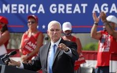 Phó tổng thống Mỹ Mike Pence vẫn vận động tranh cử dù tiếp xúc với trợ lý 'dính' COVID-19