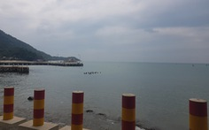 Khoảnh khắc lặng yên đáng sợ trước giờ bão đổ bộ ở Quảng Nam