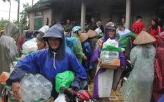 1.500 suất quà về kịp trước ngày nước lên ở vùng lụt Quảng Trị