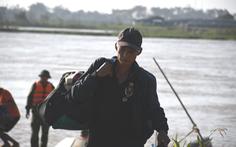 Đã đưa toàn bộ công nhân mắc kẹt tại đập dâng hạ lưu sông Trà Khúc vào bờ