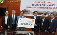 Hàn Quốc trao 300.000 USD hỗ trợ đồng bào miền Trung
