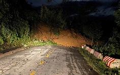 Đường vẫn chưa thông, xe chưa thể vào xã Trà Leng ứng cứu