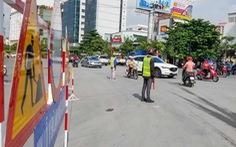 Nhiều người bỡ ngỡ ngày đầu cấm xe qua cầu vượt Nguyễn Hữu Cảnh