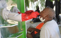Nigeria tự làm được bộ test COVID-19 rẻ và nhanh