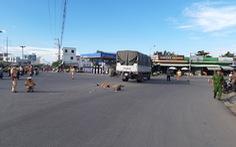Xe tải cán chết 2 người, làm 1 người bị thương nặng, tài xế đi khỏi hiện trường