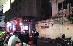 Cứu được 2 người nước ngoài mắc kẹt trong đám cháy tại khách sạn