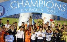 Khoảnh khắc Bình Định ăn mừng thăng hạng V-League sau 12 năm chờ đợi