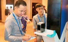 Start-up Việt trình làng máy đo thân nhiệt thông minh
