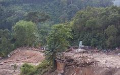 Mưa lớn tiếp tục gây lở núi, đường vào Nam Trà My bị chia cắt