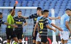 Lazio cầm chân Inter Milan trong trận cầu 'nóng' với 2 thẻ đỏ