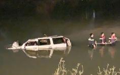 'Chúng tôi lao xuống sông nhưng không kịp cứu ai mắc kẹt trong ôtô'