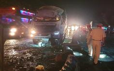 Xe tải va chạm xe khách: 1 người chết, 19 người bị thương giữa khuya